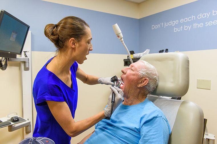 Head and Throat Cancer - MU Health Care