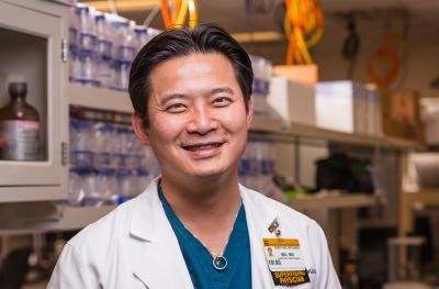 Orthopaedic surgeon Dr. Richard Ma