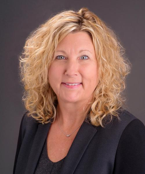 Julie Starr, FNP headshot